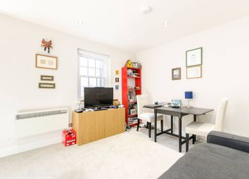 Thumbnail 1 bed flat to rent in Wentworth Street, Tower Hamlets