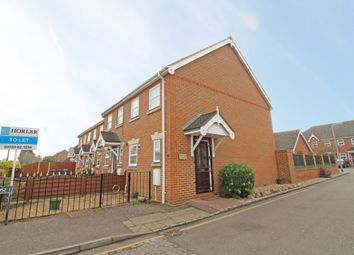 Thumbnail 2 bed property to rent in Selwyn Close, Windsor