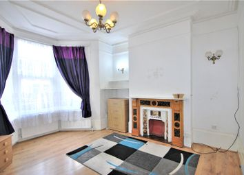 Thumbnail 3 bed flat to rent in Warham Road, Harringay, London