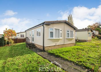2 bed mobile/park home for sale in Taylor Row, Noak Hill, Romford RM3