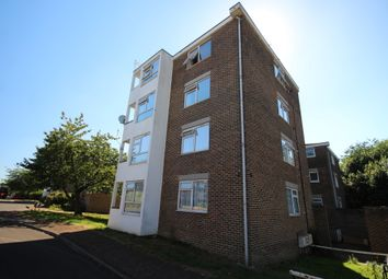 Thumbnail 2 bed flat to rent in Willowfield, Harlow
