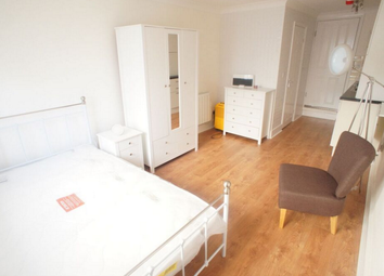 Thumbnail Studio to rent in Grove Road, South Woodford