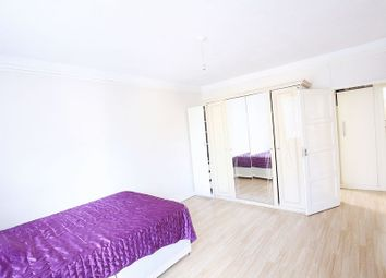Thumbnail 4 bed flat to rent in Collier Street, King's Cross