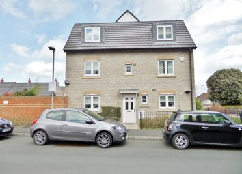 Thumbnail 4 bed detached house to rent in Strouds Close, Swindon