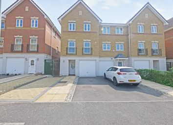 3 bed town house to rent in Crispin Way, Uxbridge UB8