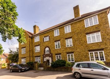 Thumbnail 2 bed flat to rent in Frogmore, Wandsworth, London