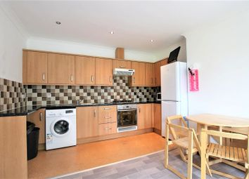 Thumbnail 4 bed shared accommodation to rent in Kings Avenue, London