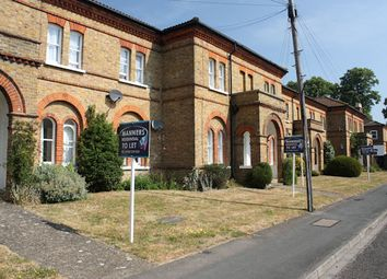 Thumbnail Studio to rent in Raglan Road, Knaphill, Woking