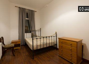 Room to rent in Somers Road, London SW2