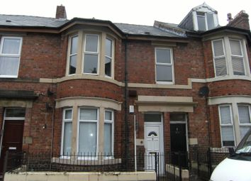 3 bed flat to rent in Rodsley Avenue, Gateshead NE8