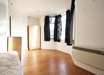 Thumbnail Studio to rent in Willingdon Road, London