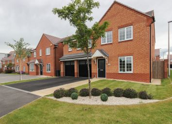 Thumbnail 5 bed detached house for sale in Warinford Close, Warwick