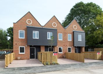 Thumbnail 3 bed detached house for sale in Fircroft Way, Edenbridge, Kent