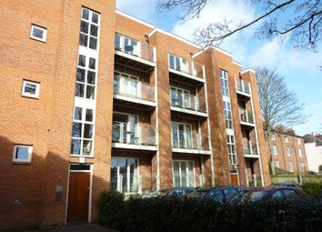 Thumbnail 1 bed flat to rent in Cross Street, Winchester