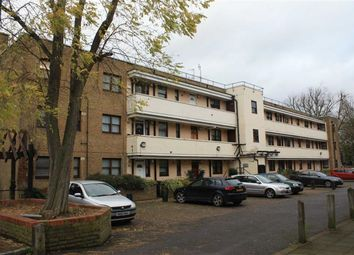 Thumbnail 3 bedroom flat to rent in Beckenham Hill Road, London