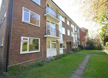 Thumbnail 3 bed flat to rent in Homefield Road, Bromley