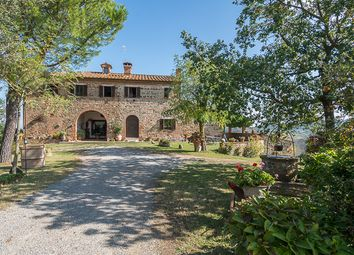 Thumbnail 9 bed country house for sale in Casale Il Convento, Montepulciano, Siena, Tuscany, Italy