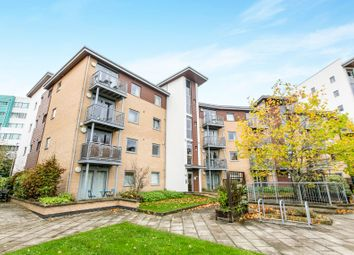 Thumbnail 2 bedroom flat to rent in Kelvin Gate, Bracknell