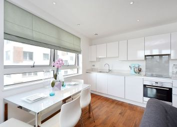 Thumbnail 3 bedroom flat for sale in Bellville House, Greenwich