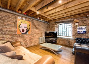 Thumbnail 2 bedroom flat for sale in Butlers & Colonial Wharf, London