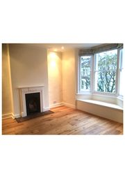 Thumbnail 3 bed duplex to rent in Bennerley Road, Between The Commons