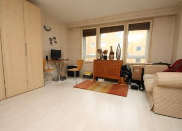 Thumbnail Studio to rent in The Highway, London
