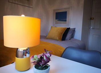 Thumbnail Room to rent in Room 2, Sunnybank Road