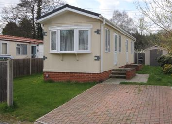 Thumbnail 2 bed mobile/park home for sale in Brookside Park, Hawley Lane, Farnborough
