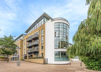 2 bed property to rent in Ferry Lane, Brentford TW8