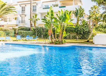 Thumbnail 2 bed apartment for sale in Estepona, Málaga, Andalucía