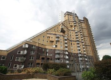 Thumbnail 2 bed flat to rent in Cascades Tower, Westferry Road, London