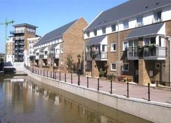 4 bed semi-detached house to rent in Albert Mews, Lockside, London E14
