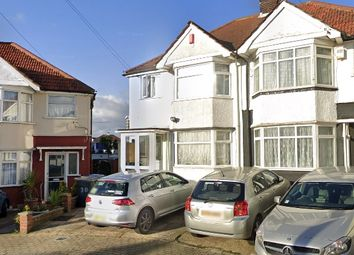 4 bed semi-detached house to rent in Stuart Avenue, London NW9