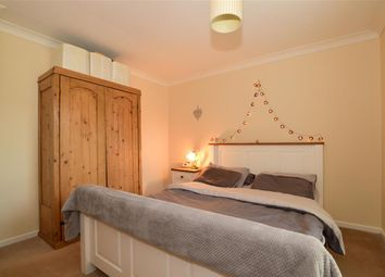 Thumbnail 4 bed link-detached house for sale in Manor Forstal, New Ash Green, Longfield, Kent