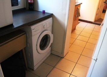 Thumbnail 1 bed flat to rent in A One Bedroom Garden Flat, Pangbourne Street, Reading RG30, Reading,