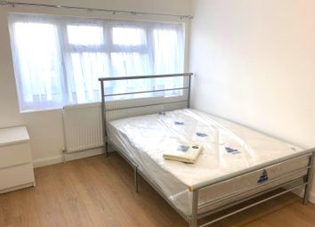 Thumbnail Studio to rent in Bath Road, Hounslow, Middlesex