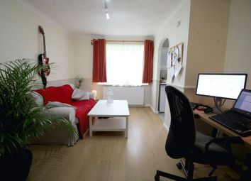1 bed flat to rent in Farm Close, Borehamwood WD6