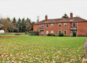 Thumbnail 2 bed flat for sale in Orchehill Avenue, Gerrards Cross