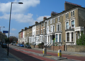 Thumbnail 5 bed terraced house for sale in Graham Road, Hackey