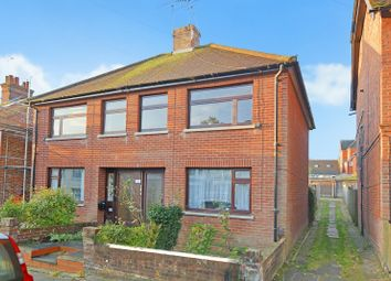 Thumbnail 1 bed flat for sale in Lower Queens Road, Ashford, Kent