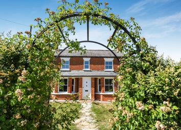Thumbnail 4 bedroom detached house for sale in Forest Road, Binfield