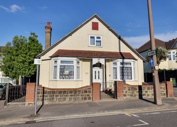 Westbourne Grove, Westcliff-On-Sea SS0. 3 bed detached bungalow