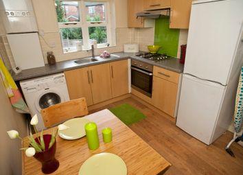 Thumbnail 2 bedroom flat to rent in Derwentwater Grove, Headingley, Leeds