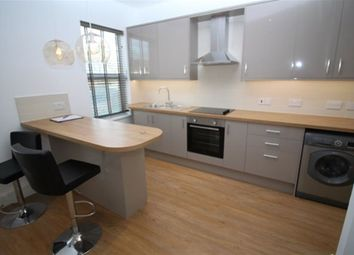 Thumbnail 1 bed flat to rent in London Road, Langley, Slough