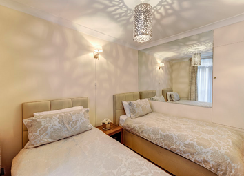Thumbnail 2 bed flat to rent in Chesterfield Street, Mayfair
