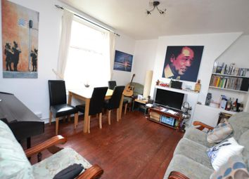 Thumbnail 4 bed flat to rent in Montclare Street, London