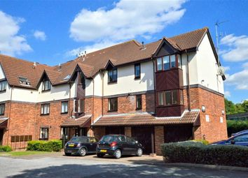 Thumbnail 2 bed flat to rent in Station Approach, Theydon Bois, Epping