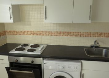 Thumbnail Flat for sale in The Square, Marlowes, Hemel Hempstead