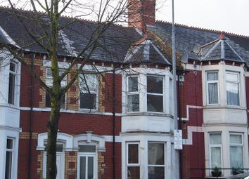 Thumbnail 2 bedroom flat to rent in Tynewydd Road, Barry
