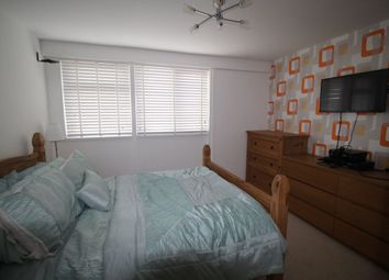 Thumbnail Room to rent in Abingdon Walk, Worthing